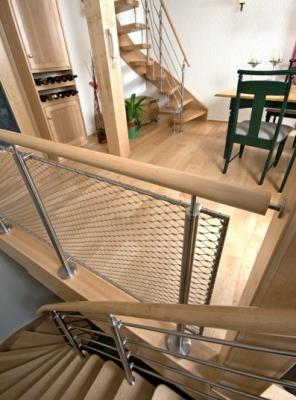 Čím natřít dřevěné schody